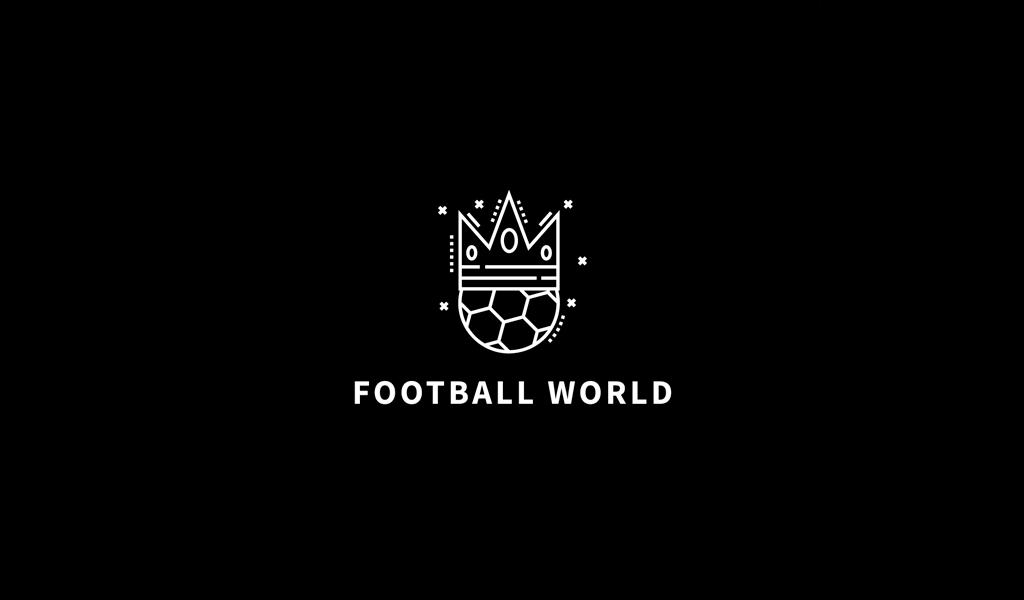 Спортивный логотип: футбольный мяч и корона